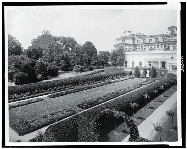 white_house_rose_garden_1913_by_First_Lady Ellen_Wilson