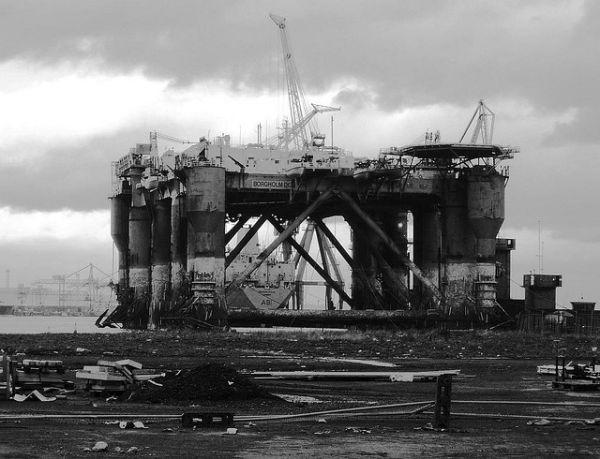 mothballed oil rig 6 Abandoned Mega Machines