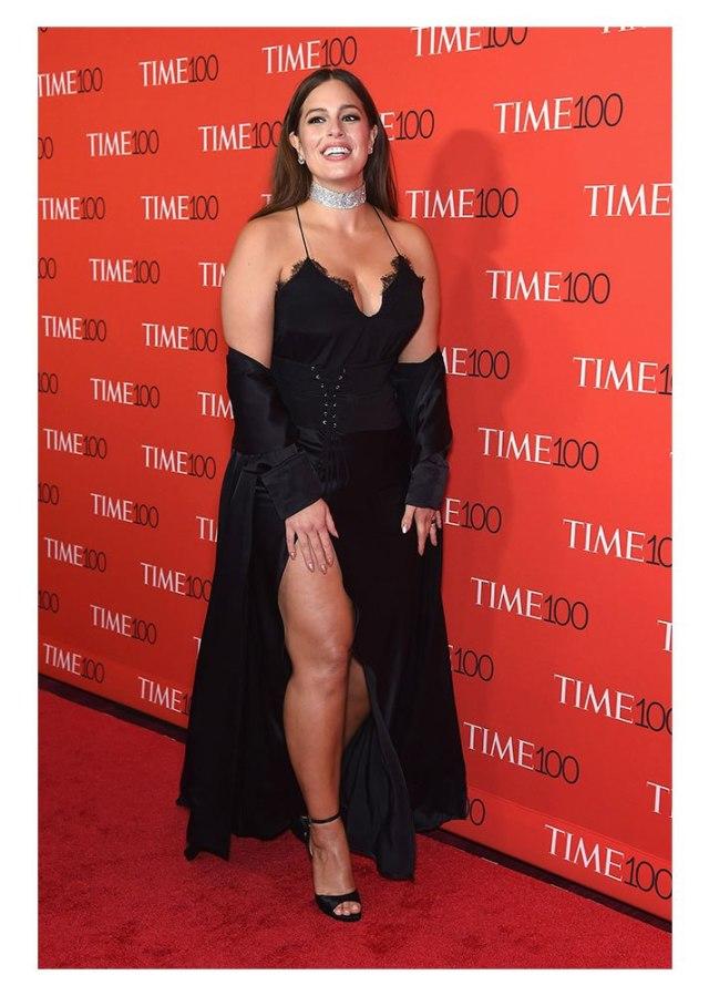 ashley graham1 The Brilliant Way Ashley Graham Covered Up a Red Carpet Wardrobe Malfunction