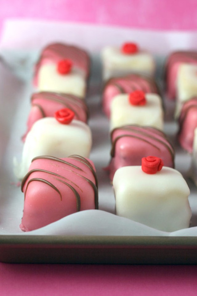 Tea Parties Are Making a Comeback—Here's How to Throw One: Petit Fours