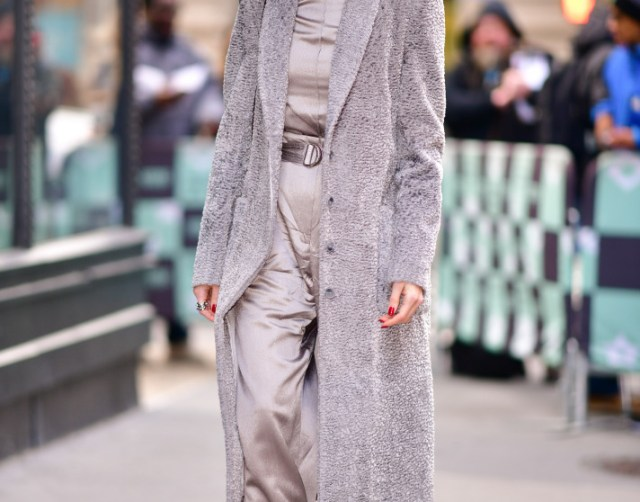 gettyimages 1079273686 Allison Williams Wears the Sleekest, Most Sophisticated Groutfit We've Ever Seen