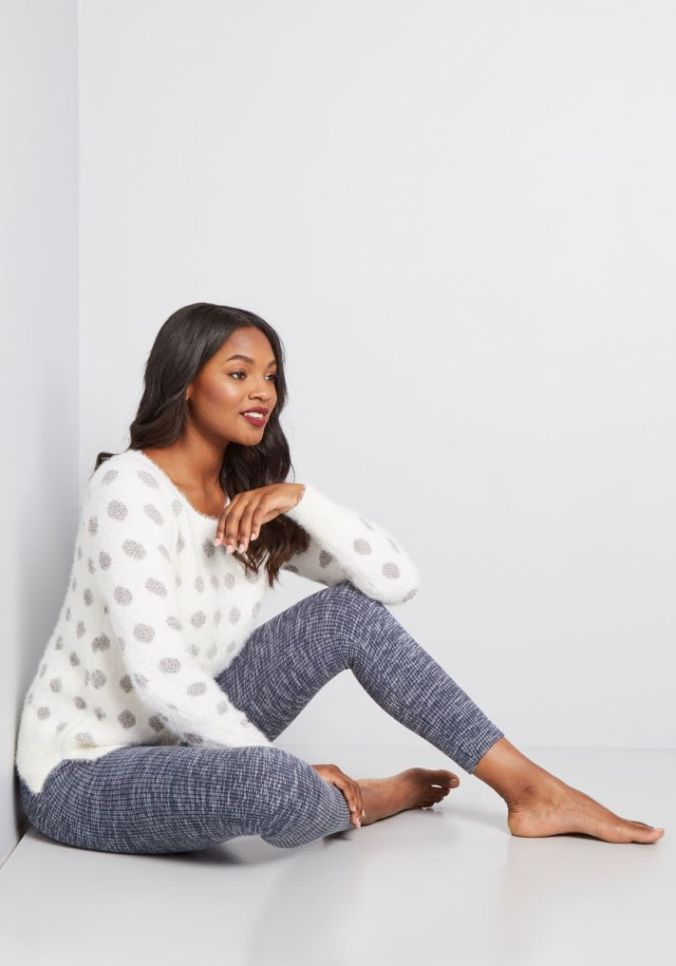 70aad3b8057fb STYLECASTER | 11 Pairs of Winter Leggings That Will Actually Keep You Warm,  According to