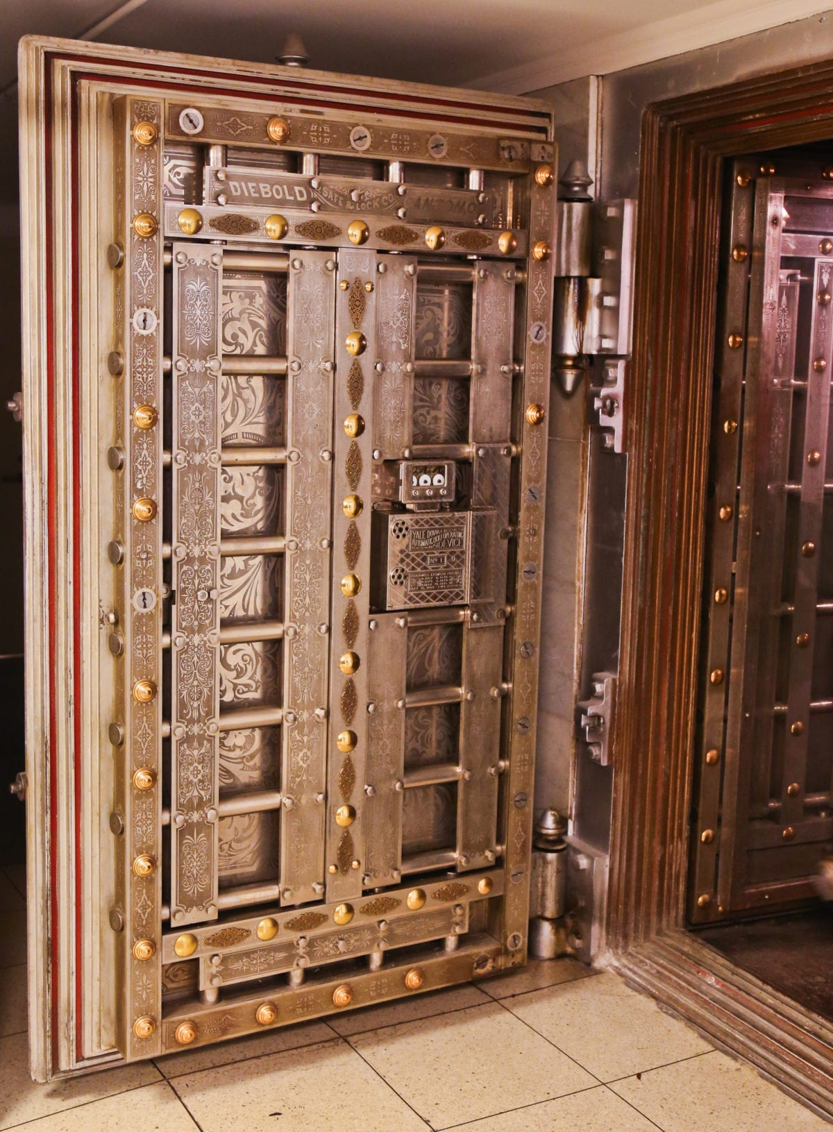 Rookery Building Basement Vault Room Safeguards Remnants From Its Repairs And Renovations