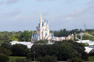 FEATURE - magic kingdom daytime