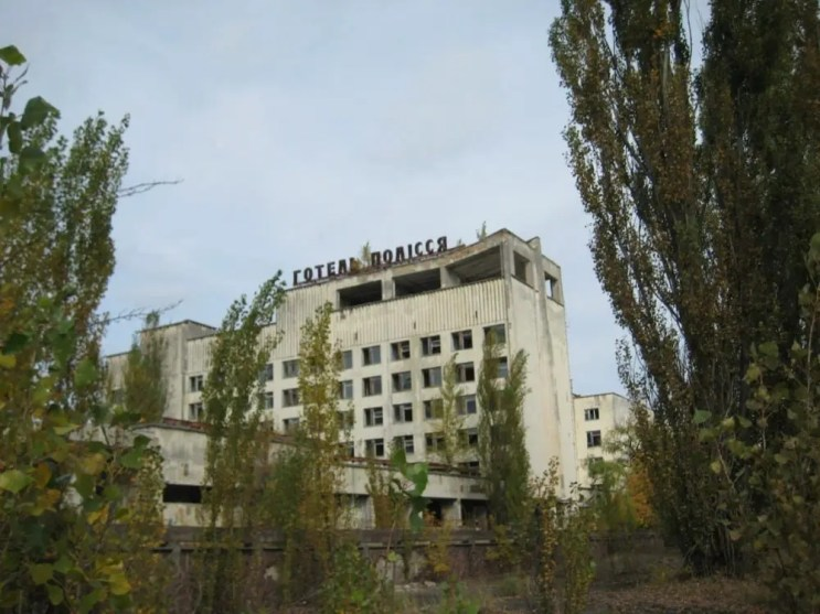 Overall you could sleep in the abandoned hotel