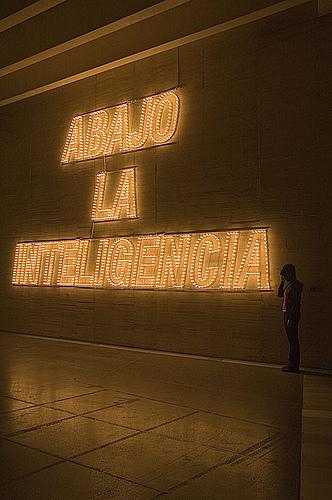 Abajo la inteligencia