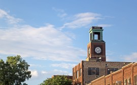 Image of the clock tower in Ravenswood