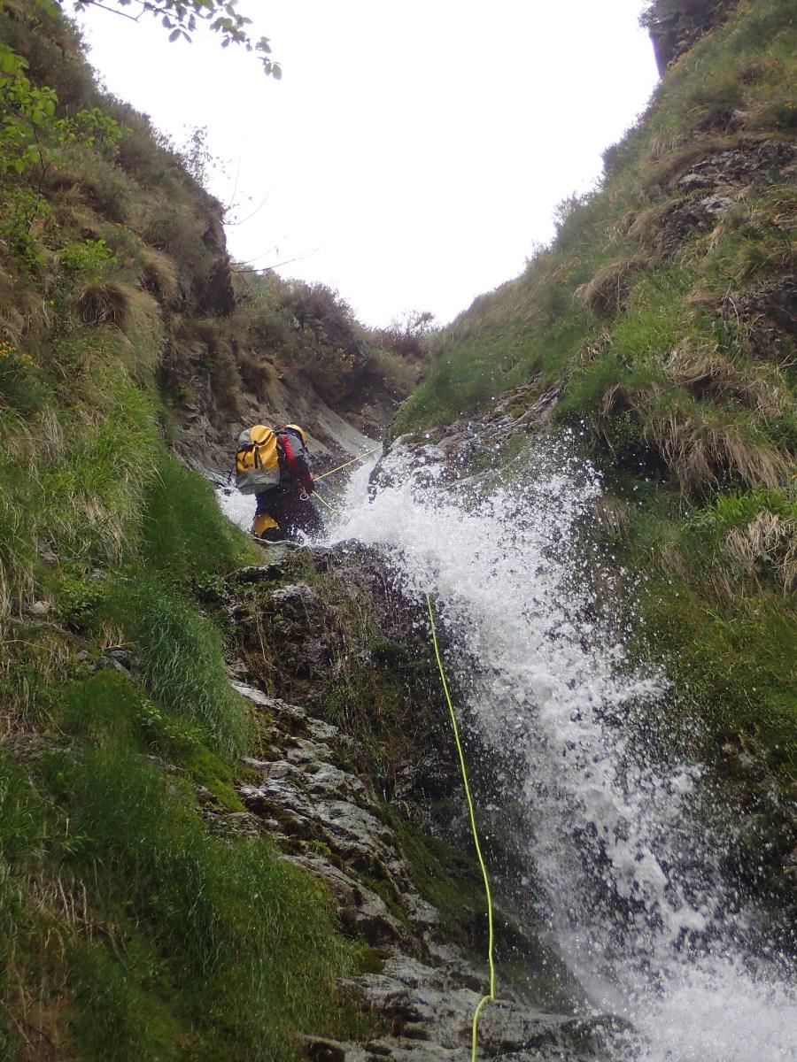 Canyon Inkaskubu Pays basque - Ur eta Lur, Canyoning et Randonnée