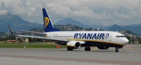 Ryanair Boeing 737 at BGY