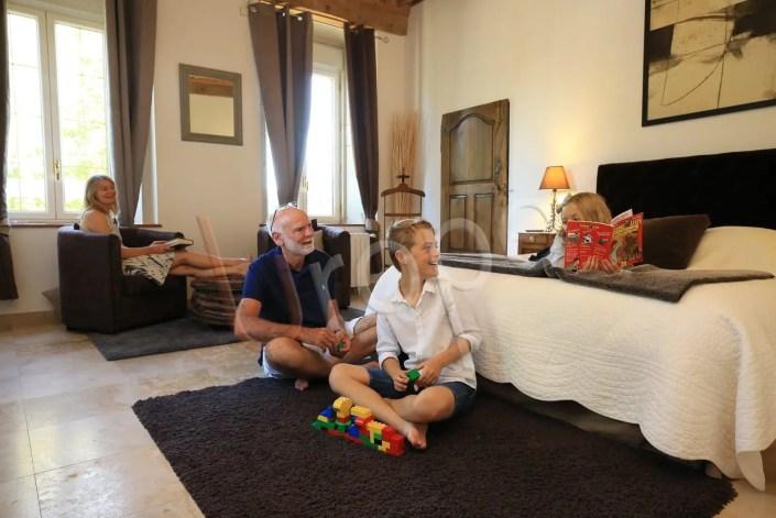 Photographie en famille pour valoriser un hôtel en Rhône-Alpes