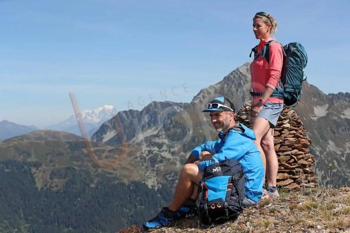 Photographie de figurants au Collet d'Allevard avec le Mont-Blanc en arrière-plan