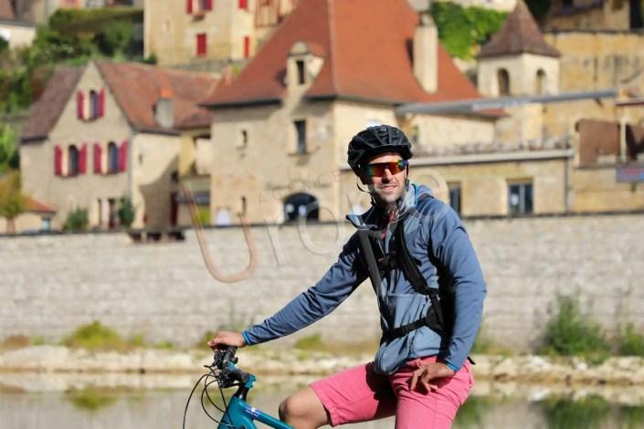 Portrait d'un cycliste VTT en Périgord à la Roque-Gageac