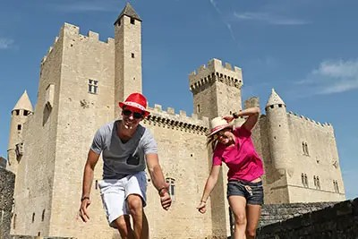 Agence Photo Vidéo : Illustration Tourisme avec Figurants