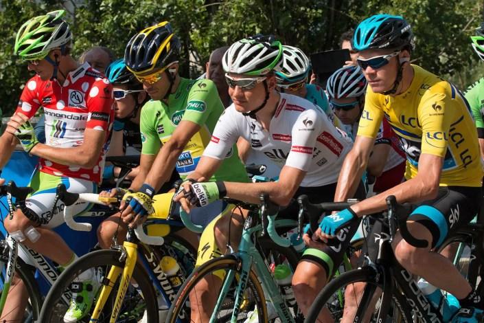 Photo du départ du Dauphiné Libéré avec Chris Froome et Alberto Contador pour la communication par l'image