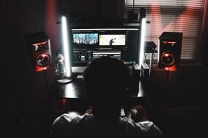 Video Editing Dark Room PC Male