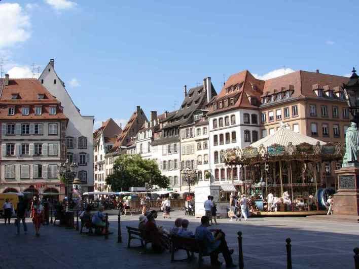 افضل 7 أنشطة في ساحة غوتنبرغ في ستراسبورغ فرنسا - رحلاتك