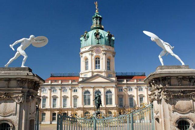 قصر شارلوتنبورغ من اهم الاماكن السياحية في برلين
