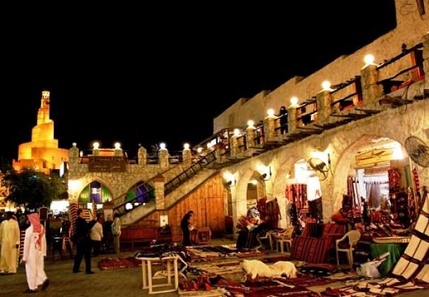 رواق الأنسجة في سوق واقف في الدوحة - اماكن سياحية في قطر