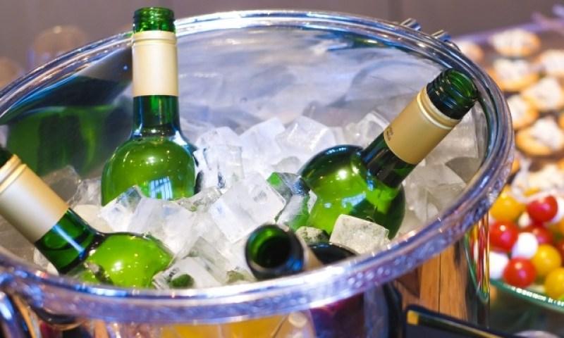 ワインクーラーで美味しくワインを飲もう!使い方とおススメ商品紹介