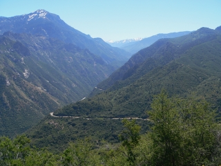 Road Down Kings Canyon