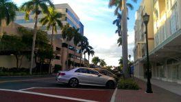 Parkende Autos in Downton von Bradenton Florida