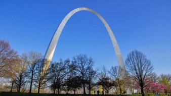 Der Gateway Arch in St. Louis, das Tor zum Westen der USA