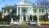 Die Ranch Graceland und ihre Villa galt als der Wohnsitz des King of Rock'n Roll Elvis Presley (Bildquelle: http://bit.ly/1iNUHkf)