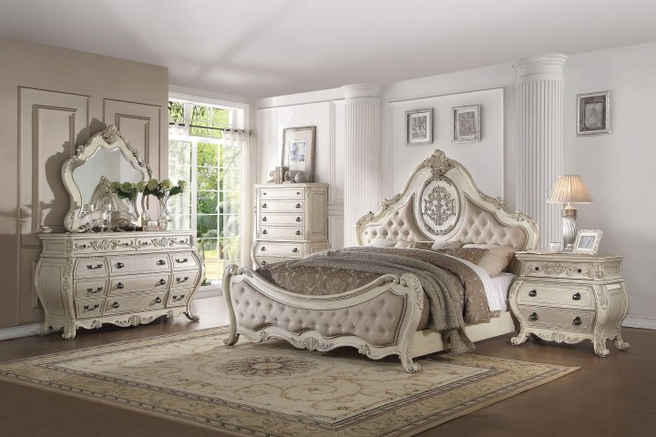 4 Piece Ragenardus Bedroom Set Vintage White Finish