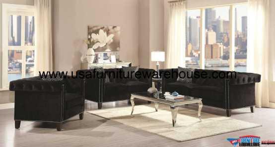 Reventlow Sofa Set