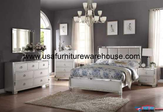 Acme Voeville II Platinum Panel Bedroom Set