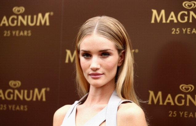 Rosie Huntington-Whiteley Net Worth 2019, Early Life, Body, and Career