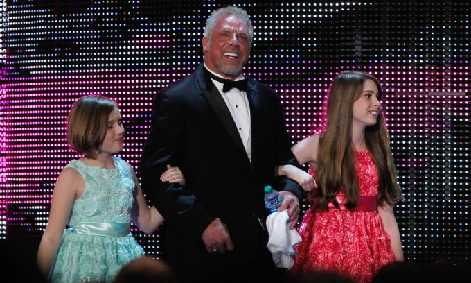 Wrestler Ultimate Warrior Weight, Height, Award and Net Worth 2020
