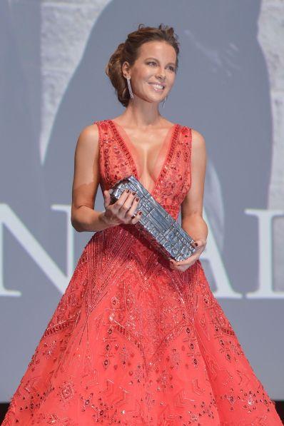 Kate Beckinsale Measurement