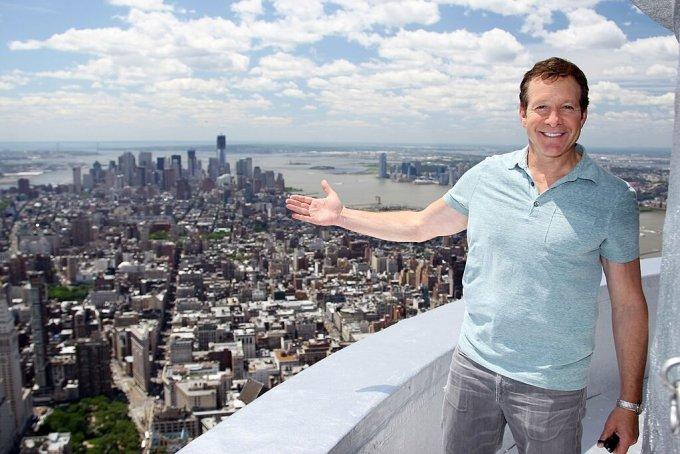 Steve Guttenberg Net Worth