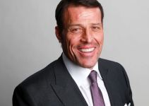 Tony Robbins Net Worth 2020, Biography, Career and Marital Life.