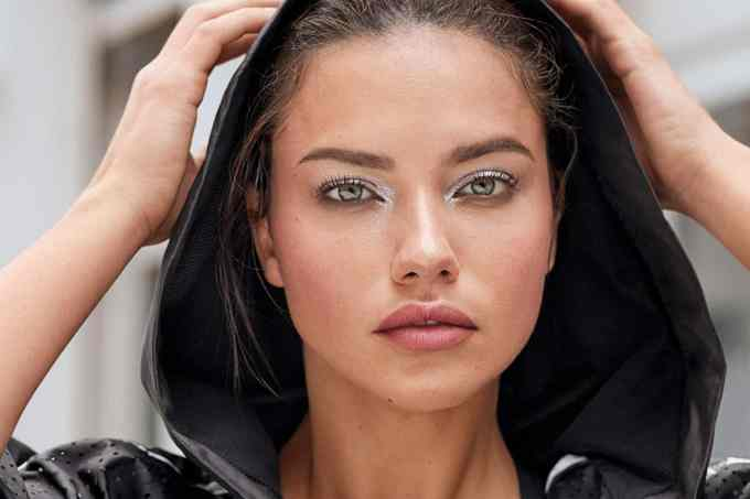 Adriana Lima Net Worth 2020, Biography, Awards, and Instagram