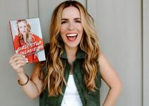 Rachel Hollis Net Worth 2020, Bio, Education, Career, and Achievement