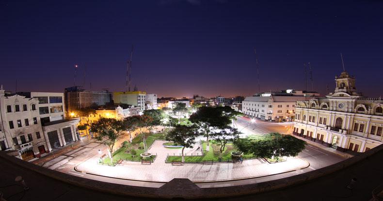 Chiclayo: la gran plaza del norte