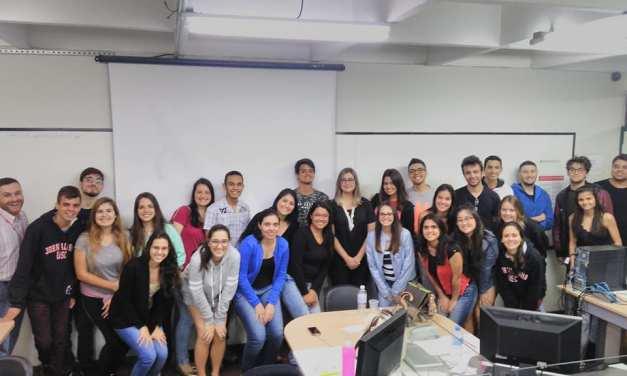 Jornalista partilha experiências com estudantes da USC