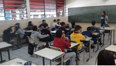 RP Comunica realiza abordagem sobre consumo consciente na Escola Stela Machado