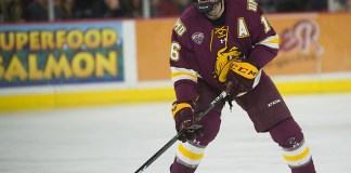 Billy Exell of Minnesota Duluth. Minnesota Duluth at Denver at Magness Arena, November 17, 2018. (Candace Horgan)
