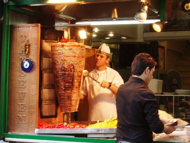 Doner_kebab,_Istanbul,_Turkey