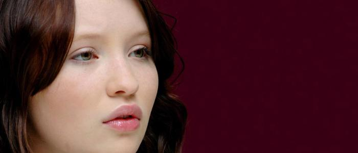 Emily Browning Trivia: 23 interesting facts about the actress!