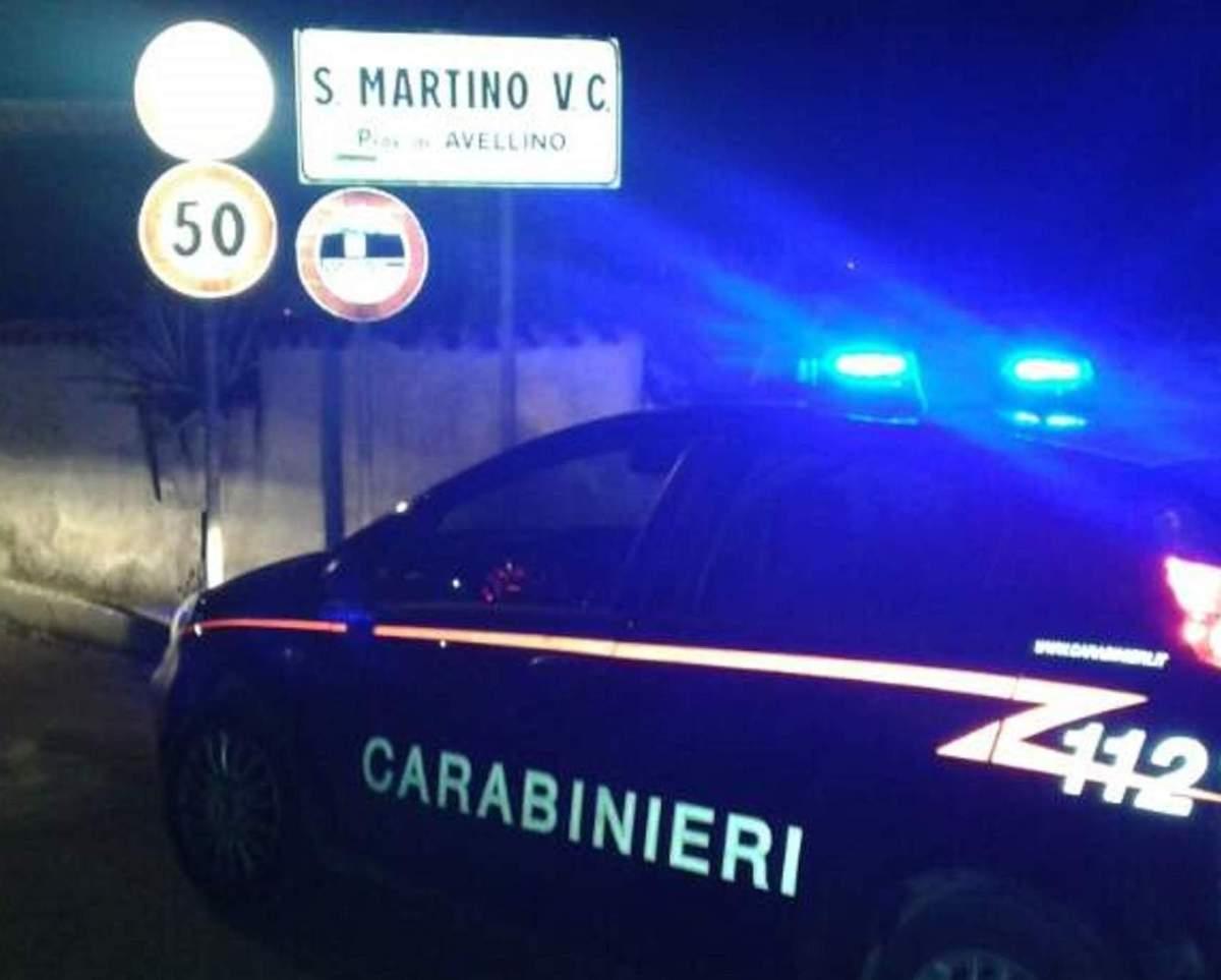 SAN MARTINO VALLE CAUDINA (AV) - IN AUTO CON UN COLTELLO A SERRAMANICO: 35ENNE NEI GUAI.