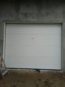 Usa de garaj sectionala alba
