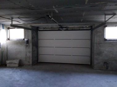 Usa de garaj sectionala gri
