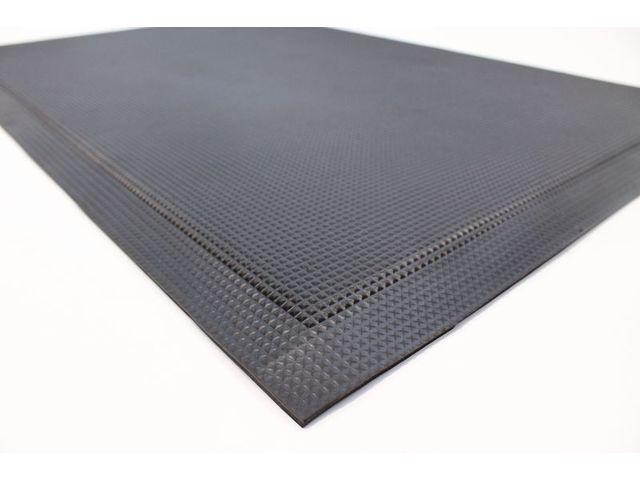 tapis anti fatigue industriel pour milieu sec humide ou huileux