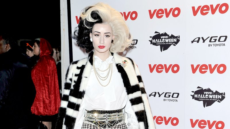 Most Outrageous Celebrity Halloween Costumes 37
