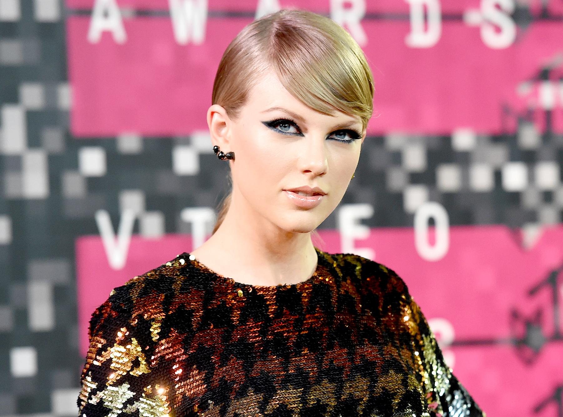 Taylor Swift social media