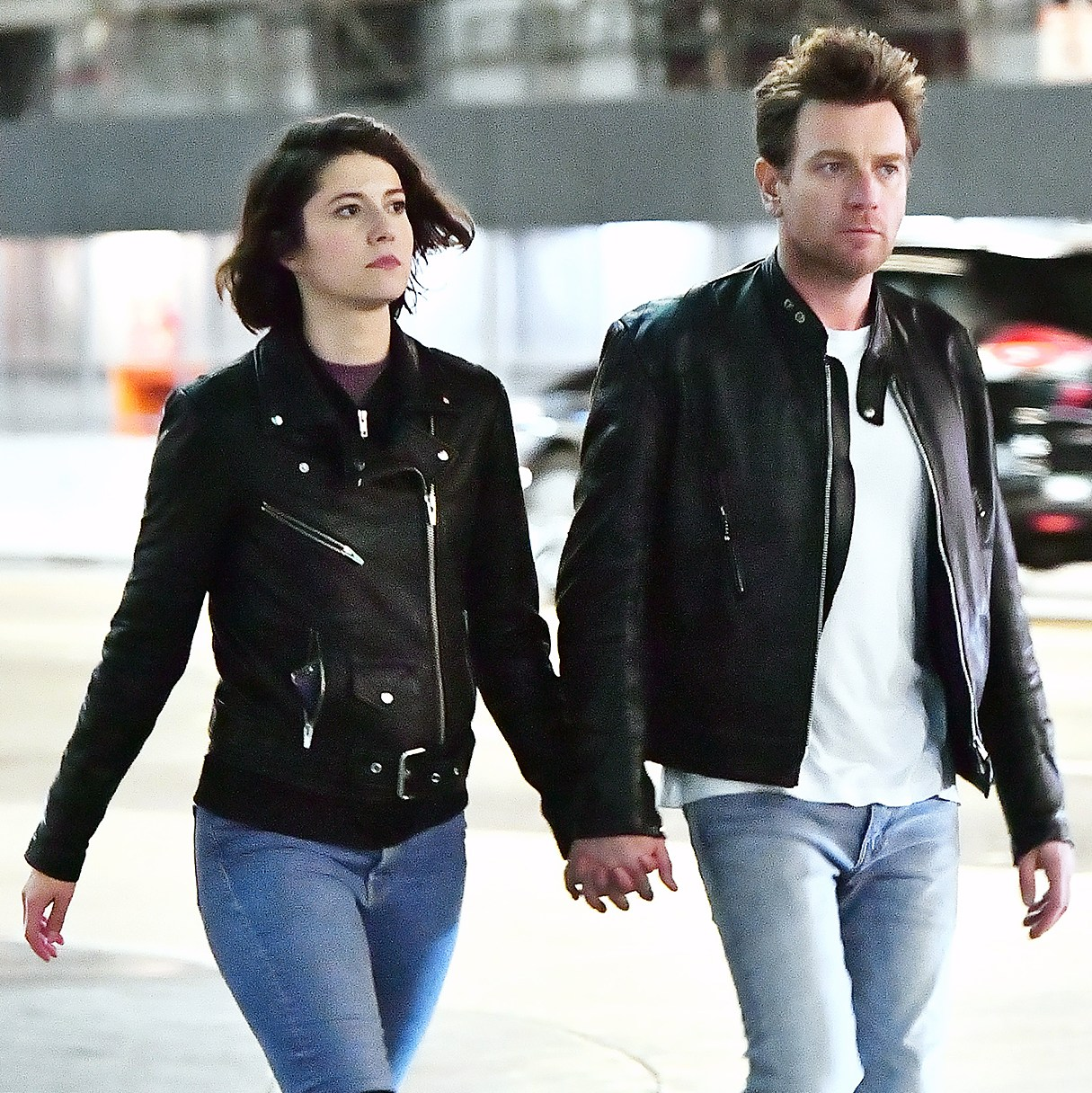 Mary Elizabeth Winstead Ewan McGregor holding hands